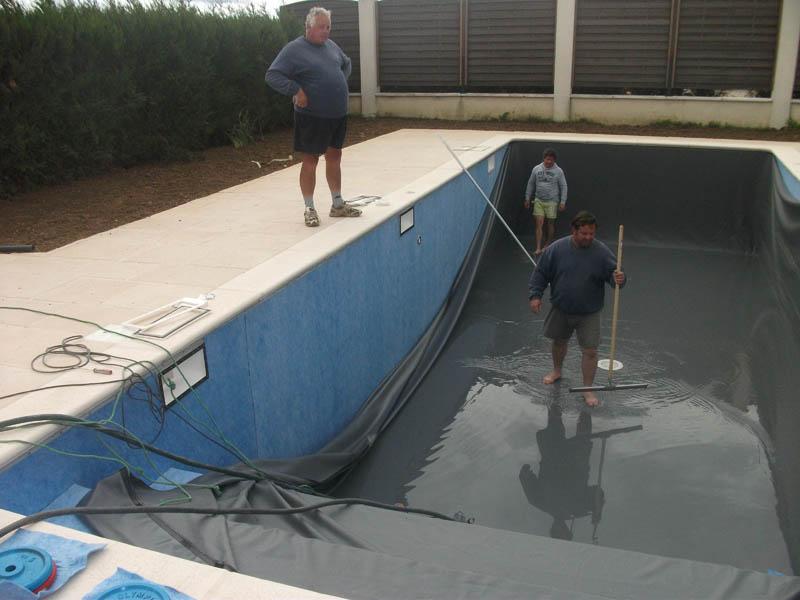 Piscines beaune les tapes de la construction d 39 une for Pose feutre piscine